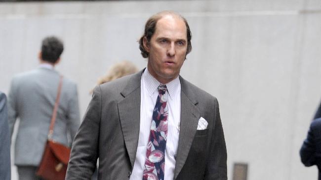 Matthew McConaughey calvo e imbruttito per