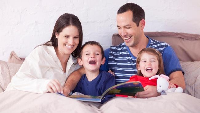 Cinque buoni motivi per leggere le fiabe ai bambini