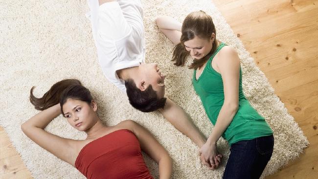Cosa fare se le amiche sono fidanzate e tu sei single