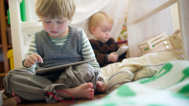 Come disintossicare la famiglia da smartphone e tablet