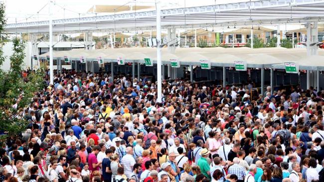 Expo, turista romano fa causa per le troppe code:
