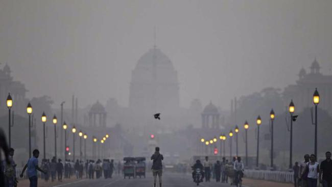 Aria irrespirabile, per la prima volta l'India batte la Cina:inquinamento record nel 2015