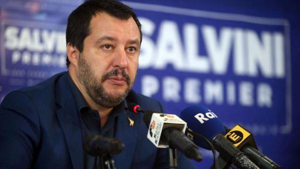 """Biotestamento, scontro sulle parole di Salvini: """"Preferisco occuparmi dei vivi"""""""