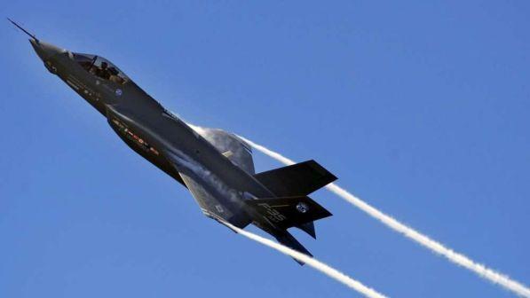 """Usa, Pentagono: """"Stop temporaneo al volo dei caccia F-35"""""""