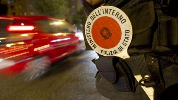 Trieste, Bmw con 11 migranti a bordo fermata dalla polizia dopo inseguimento