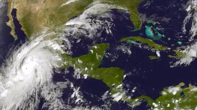 Messico, la diretta video dalla spiaggia che verrà colpita dall'uragano Patricia