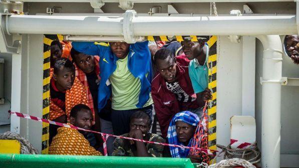 Migranti: barcone in avaria, a bordo in 100 | Palazzo Chigi