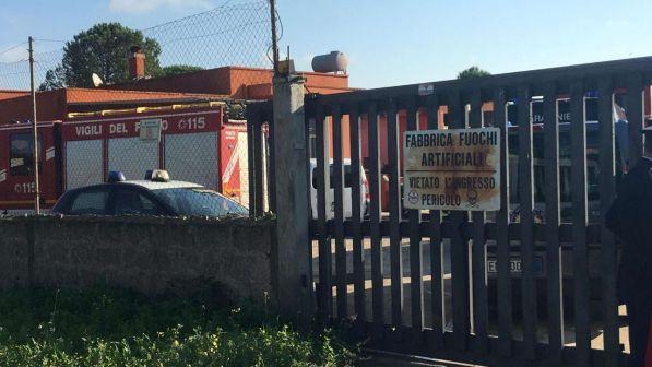 Lecce, esplosione in una fabbrica di fuochi d'artificio: morto 19enne