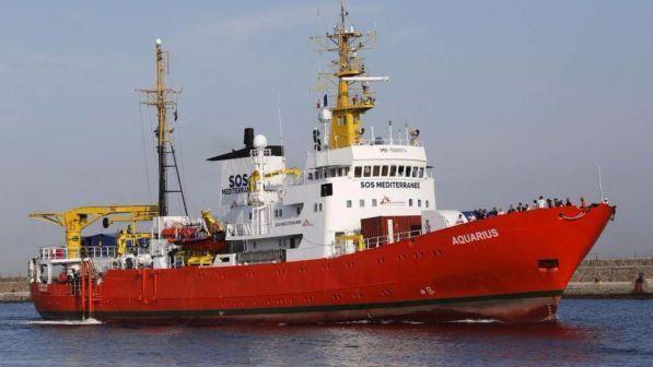 smaltimento illegale di rifiuti, sequestrata la nave ong aquarius di msf