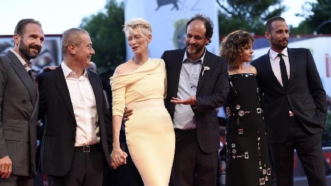 Venezia 72, Luca Guadagnino spacca il pubblico: applausi e fischi