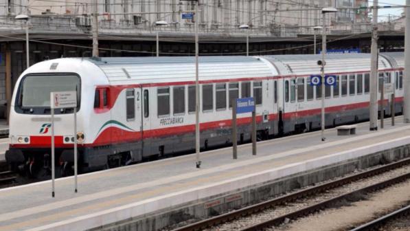 Milano, uomo travolto da treno in stazione Certosa  morto - Tgcom24 305d6eb0e6