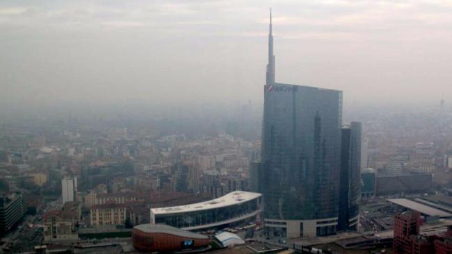 Oms: smog uccide più di alcol e droga