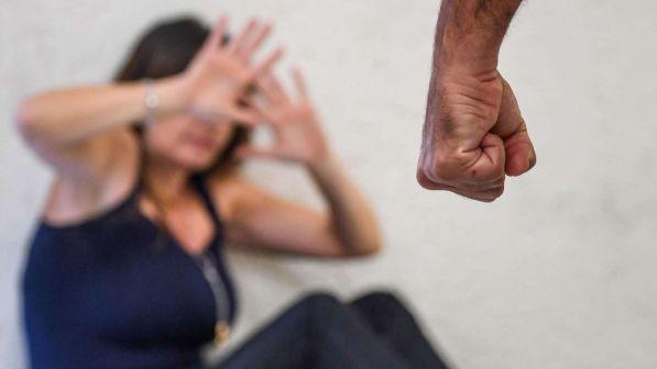 Violenza psicologica su moglie e figli: non li chiamava coi nomi, ma coi numeri