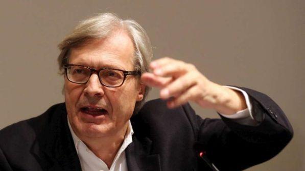 Opere Darte Contraffatte Vittorio Sgarbi Accusa E Una Caccia