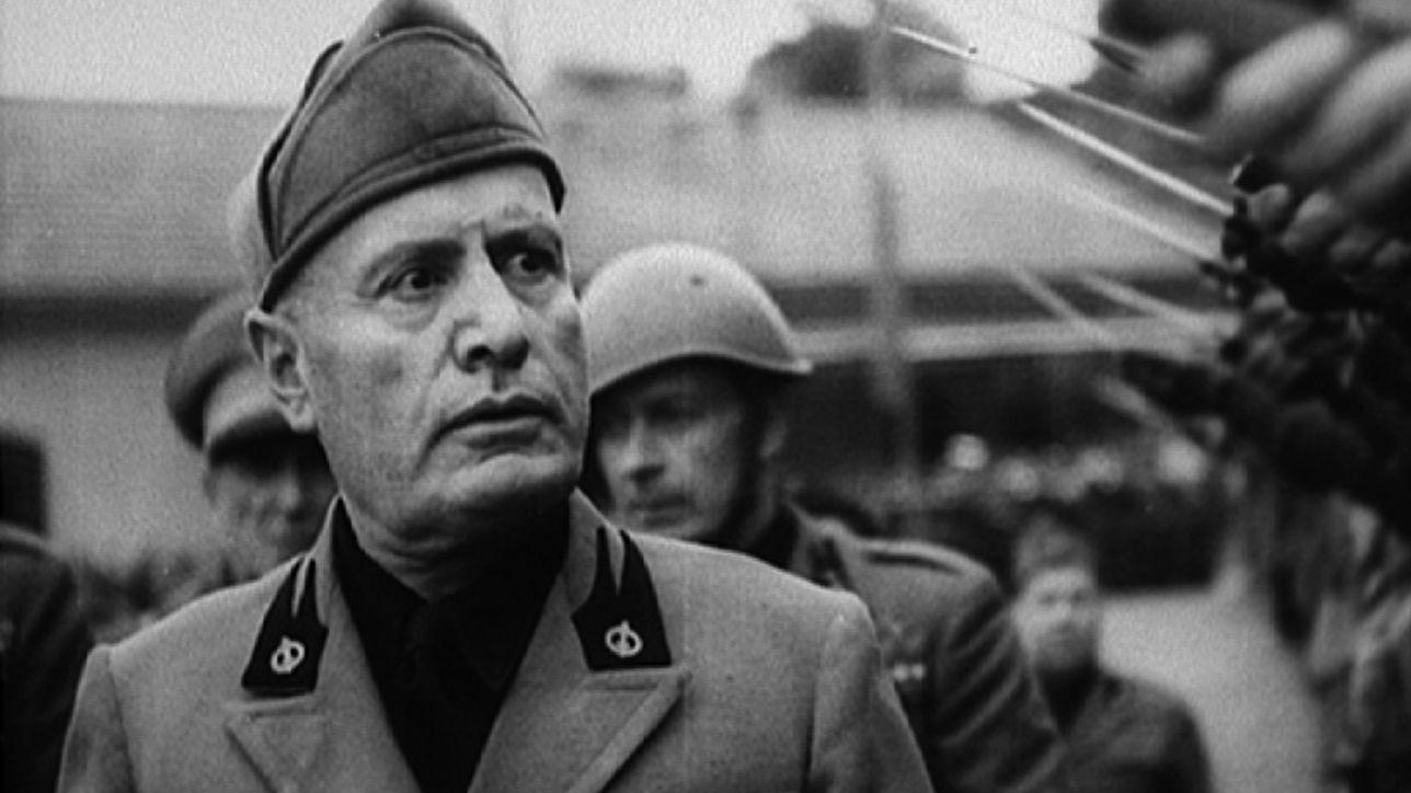Calendario Mussolini 2020.Val Di Susa Espone Immagine Di Mussolini In Caserma