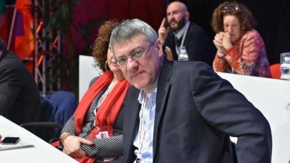 Maurizio Landini : Abbiamo due vice-premier che non hanno mai lavorato .