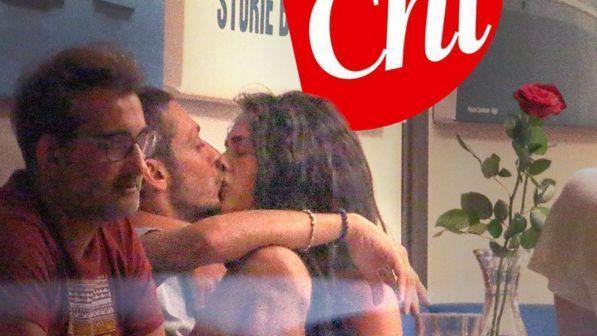Valentino Rossi bacia Francesca Sofia Novello