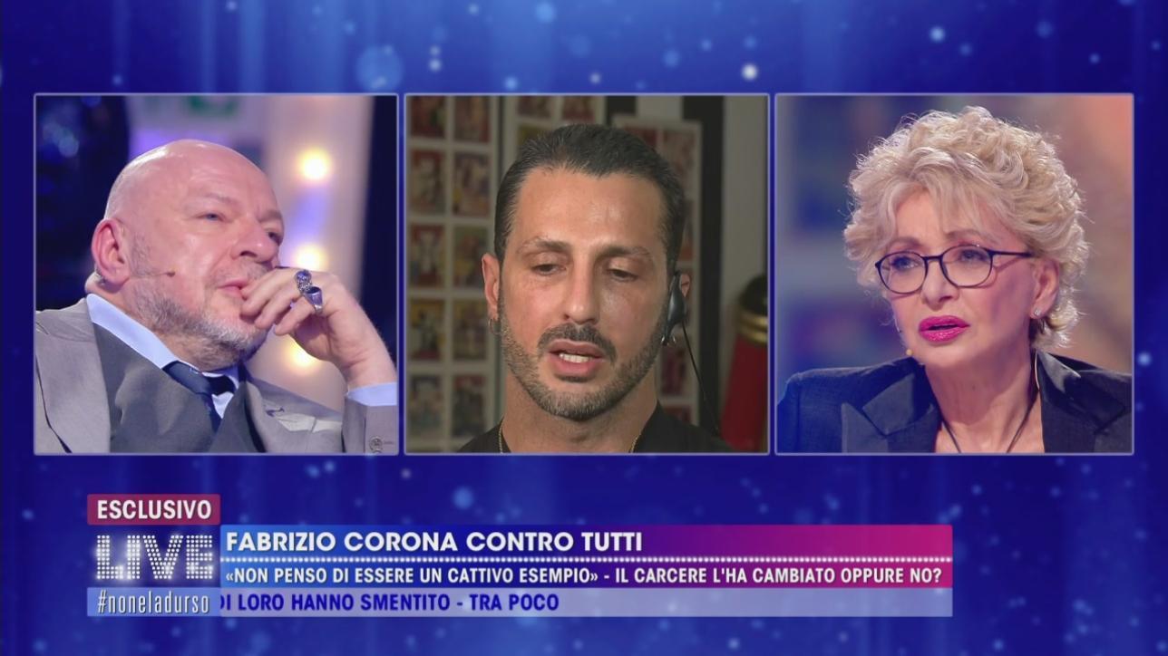 """""""Live – Non è la d'Urso"""", Corona contro tutti: """"Io sono una persona ..."""