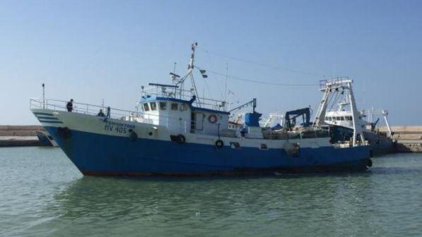 Libia, sequestrato un peschereccio italiano nel golfo della Sirte.