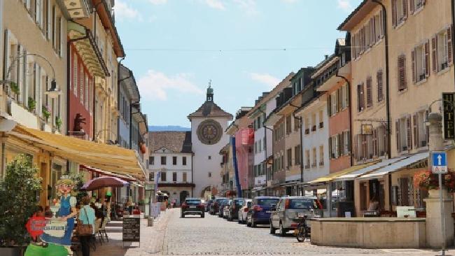 Donnavventura in Svizzera: Laufen, città delle erbe
