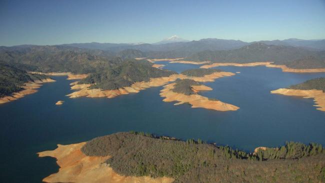Clima, allarme prosciugamento: i dieci grandi laghi che rischiano di scomparire