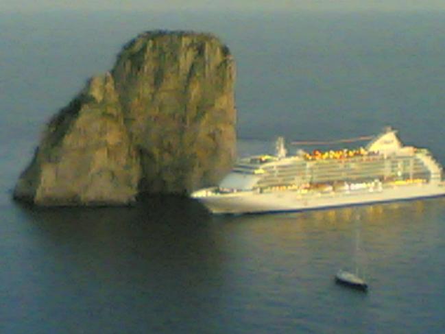 Norvegia, turista italiana precipita da un nave da crociera: grave