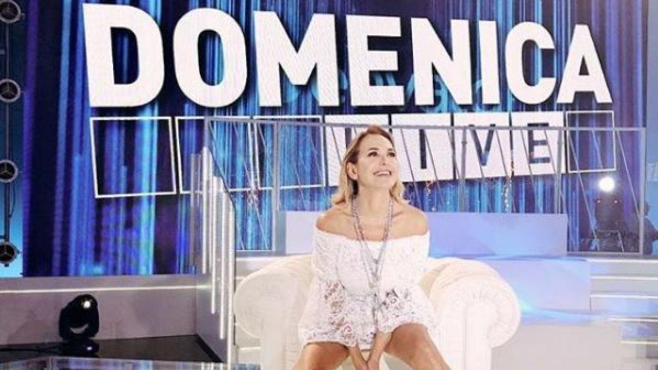 Domenica Live: Barbara d'Urso intervista Samantha Markle, sorella di Meghan