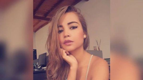 colombia, dopo quasi dieci anni in convento, decide di dedicarsi al porno