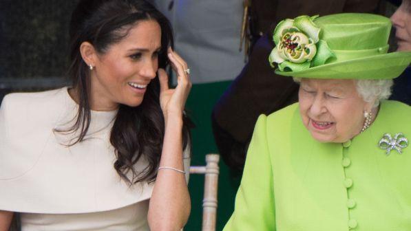 Voci e stranezze su Meghan, la Regina prepara un piano... di divorzio?