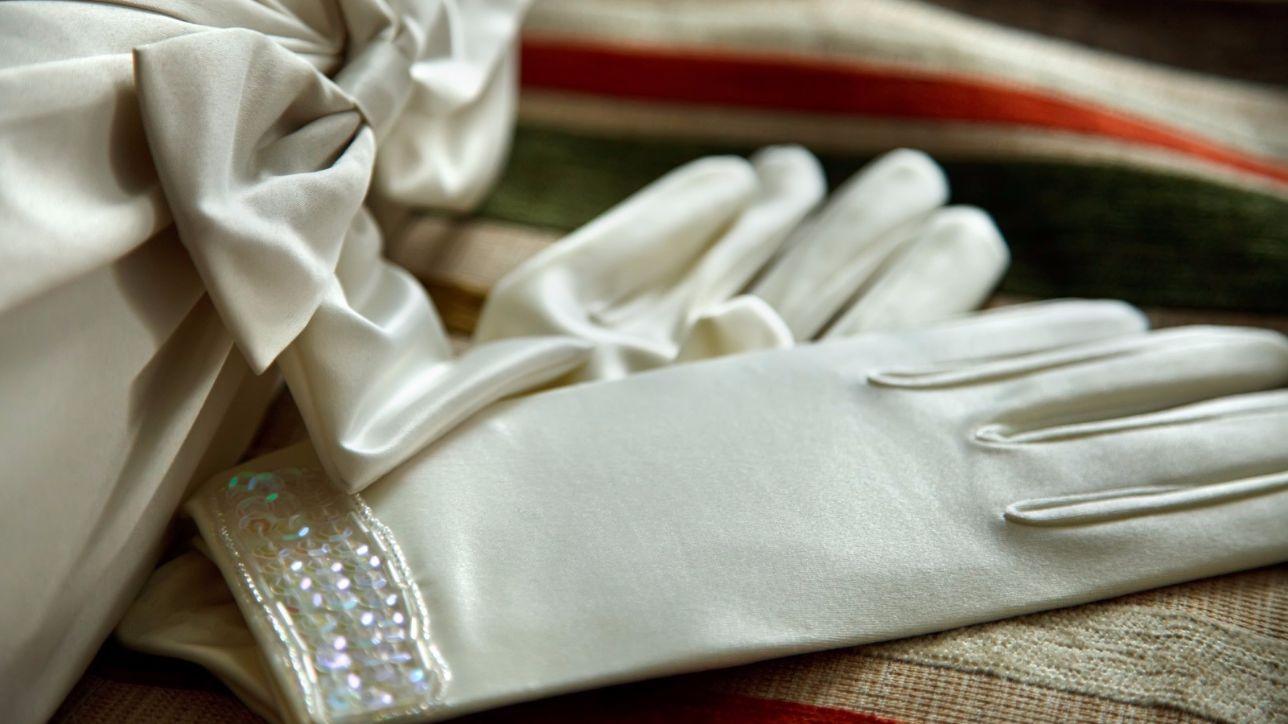 fd9853b5ff5d Guanti  un tocco di raffinatezza sull abito da sposa - Tgcom24