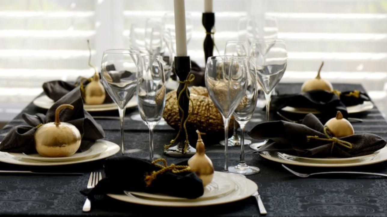 Tovaglia Nera E Oro la tavola delle feste: il nero che non ti aspetti - tgcom24