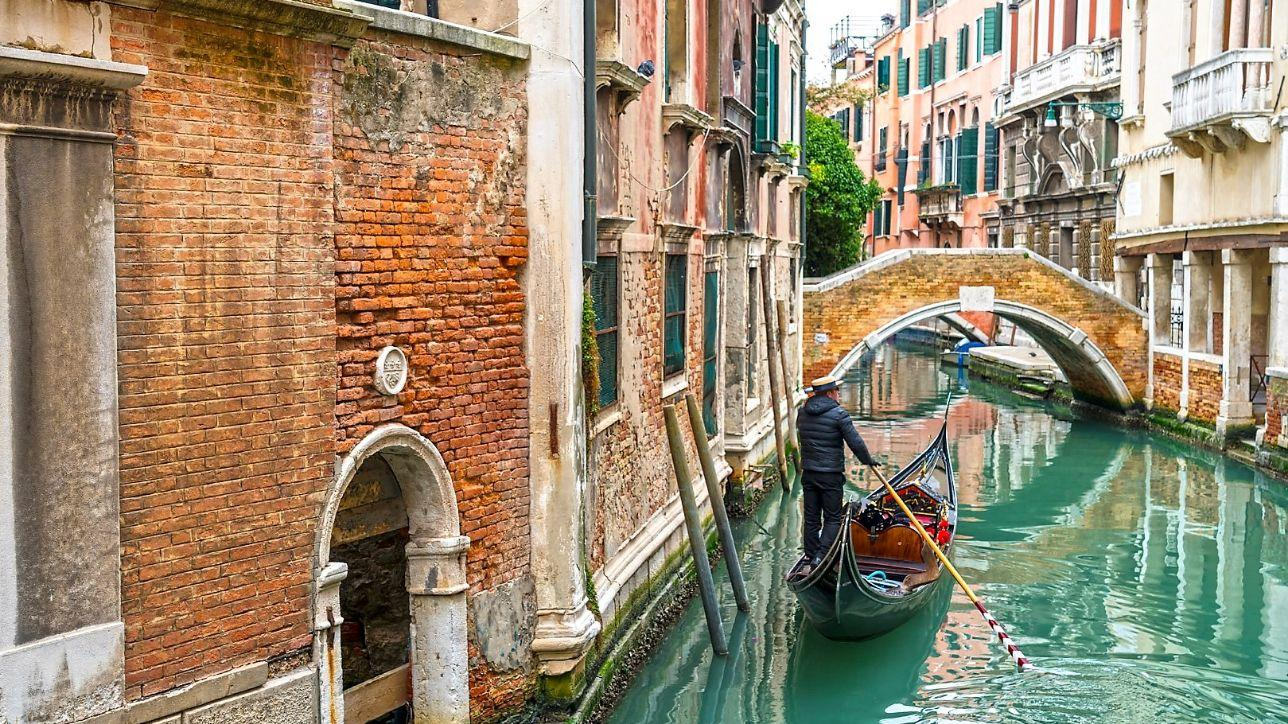 Venezia, la tassa di accesso per i day-tripper partirà dopo ...