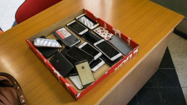 Tre giorni senza cellulare, la sfida a 450 studenti del Modenese