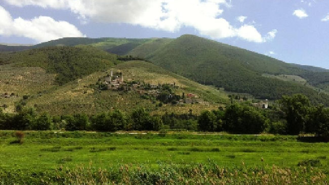 Pedalare nel cuore verde d'Italia tra Assisi e Spoleto