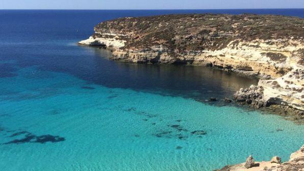 Matrimonio In Spiaggia Lampedusa : Malato terminale muore a bordo di una barca a lampedusa era il