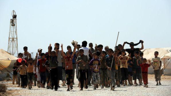 """Unicef lancia l'allarme clima estremo: """"A rischio il futuro dei bambini"""""""