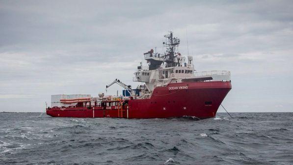 Migranti, l`Italia ha assegnato il porto: ONG Ocean Viking va a Messina