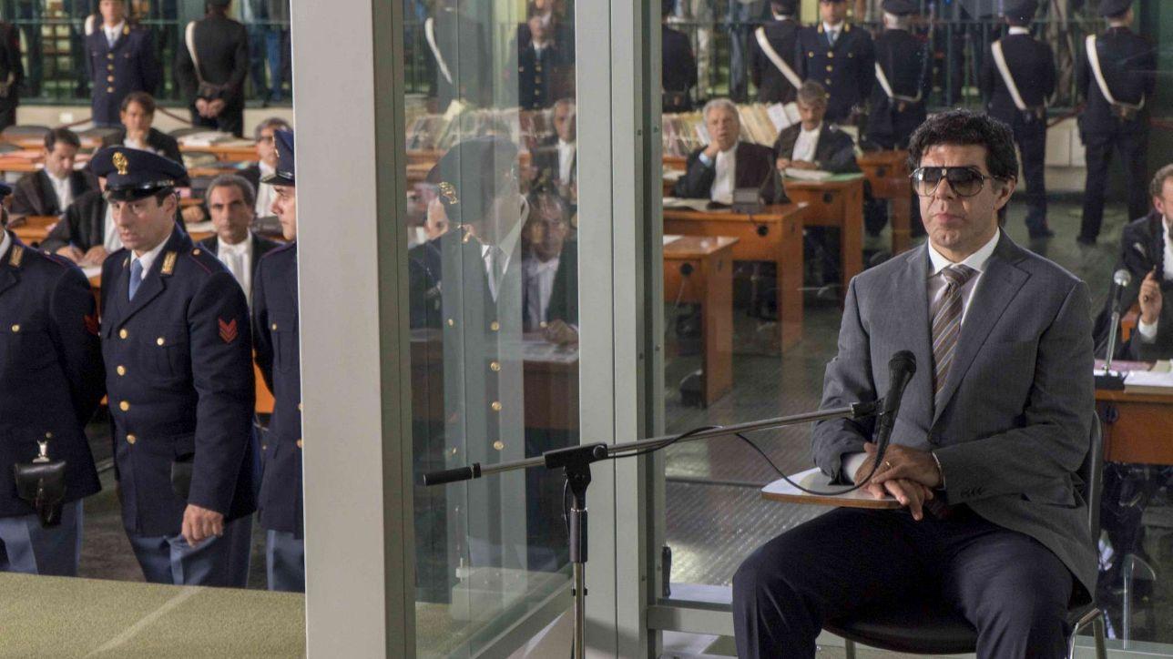"""""""Il Traditore"""", da Cannes alle sale: Francesco Favino è Tommaso ..."""