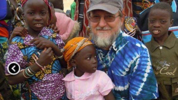 Niger: presunti jihadisti rapiscono sacerdote italiano Pierluigi Maccalli