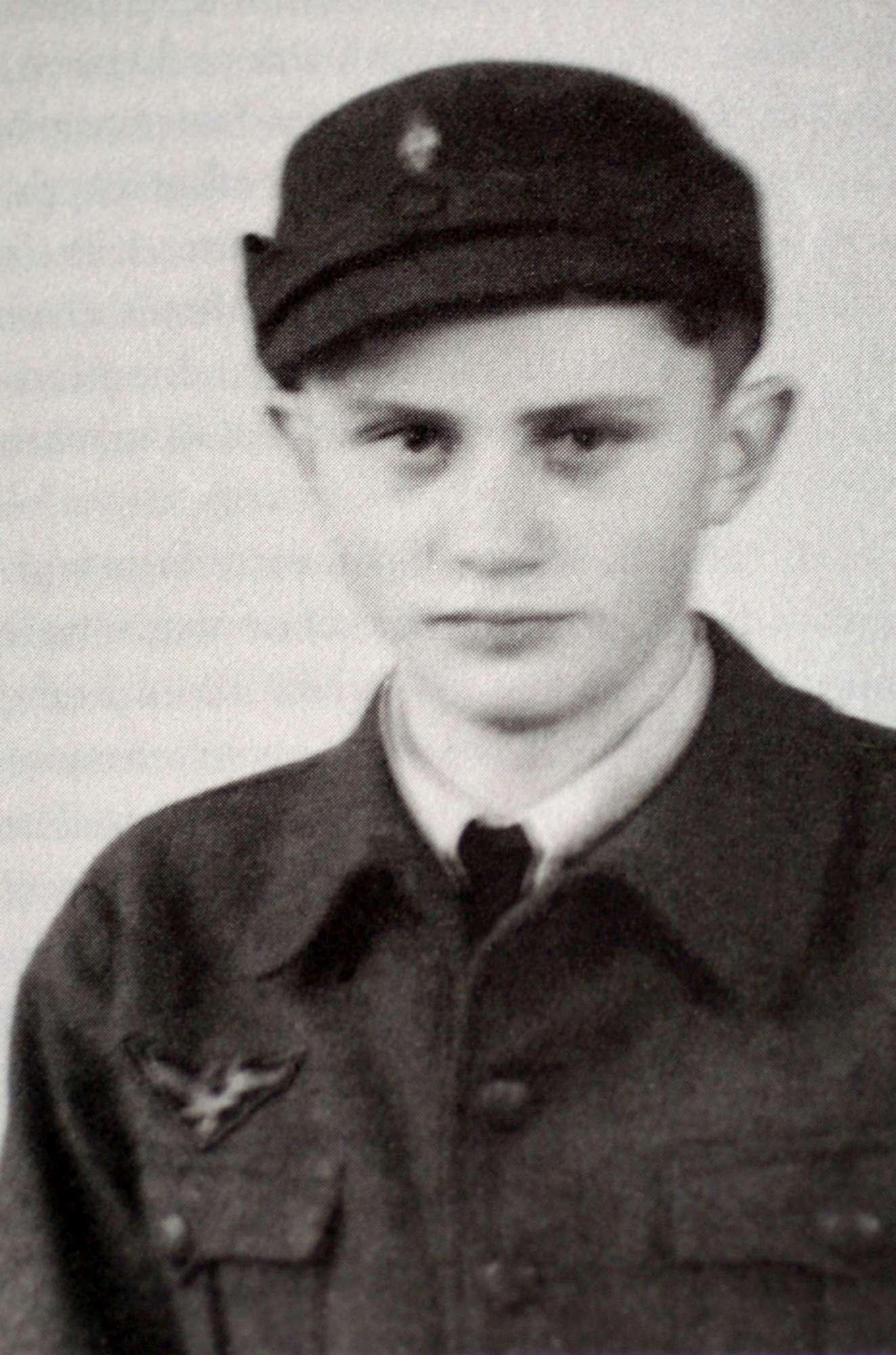 Buon compleanno Papa Ratzinger: Benedetto XVI compie 90 anni