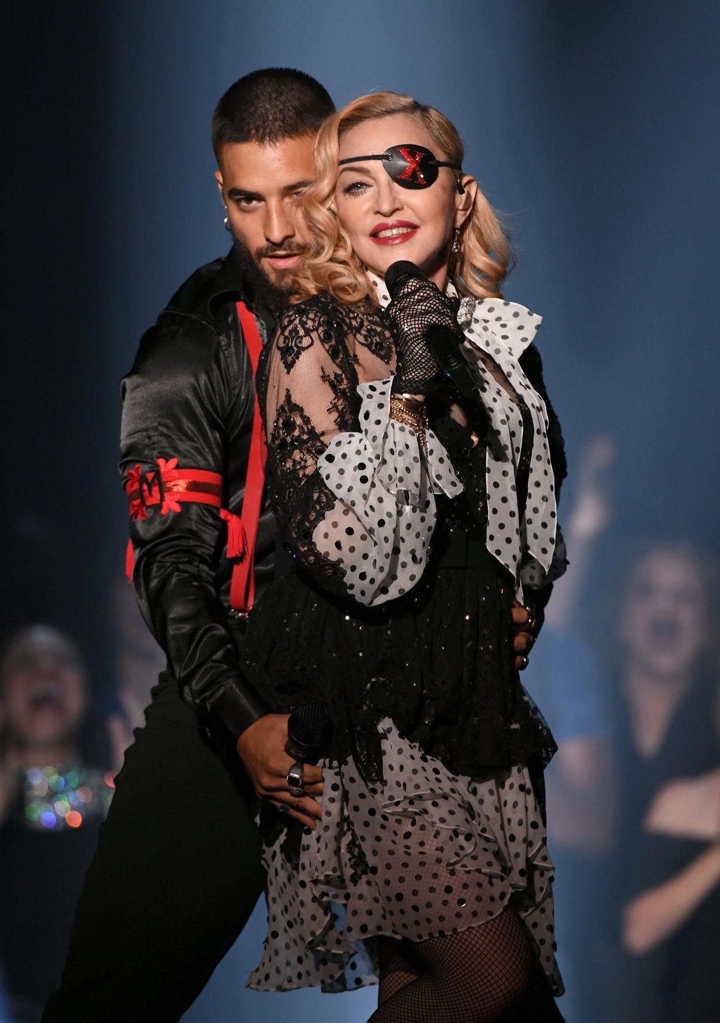 Billboard Awards 2019, l esibizione di Madonna con Maluma