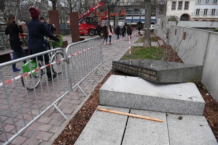 Profanata a Strasburgo la stele dell'antica Sinagoga