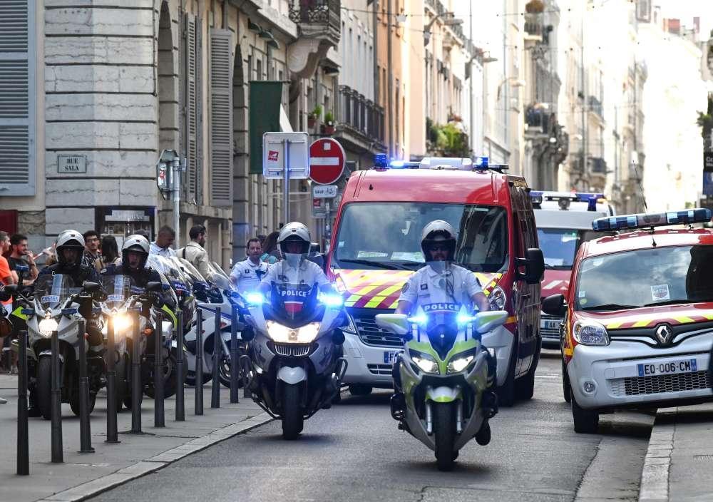 Esplosione a Lione, Macron:  E  un attacco