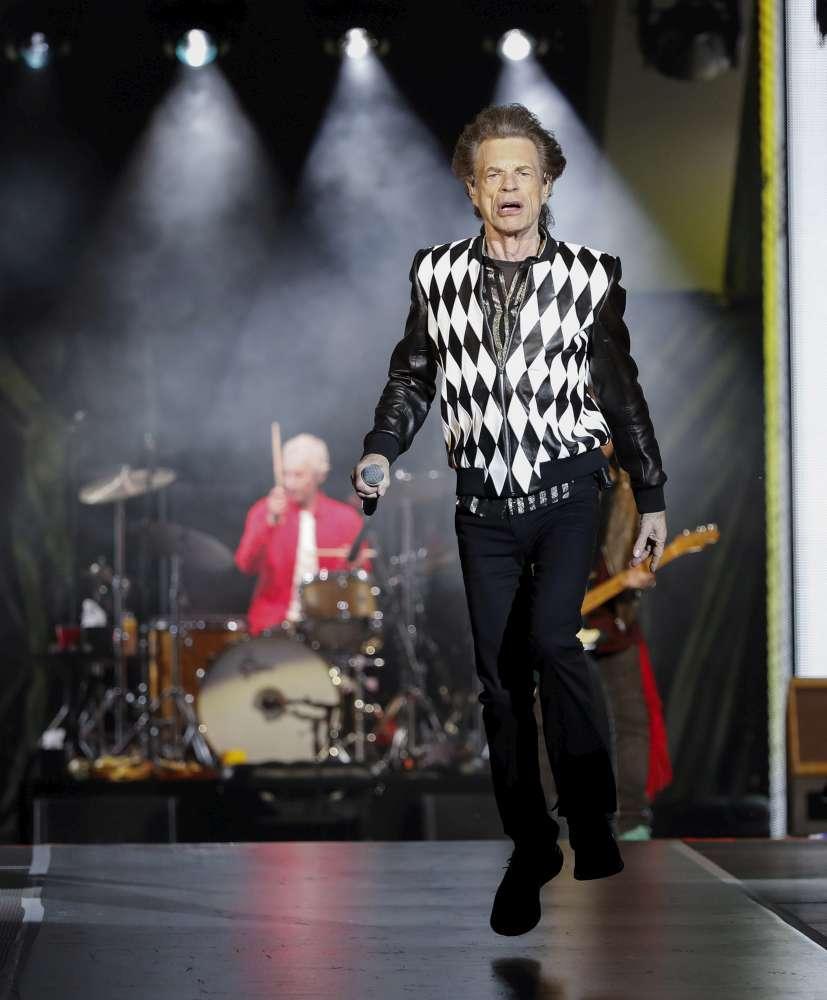 Rolling Stones, Mick Jagger è tornato... come nuovo: sul palco a Chicago dopo l operazione al cuore