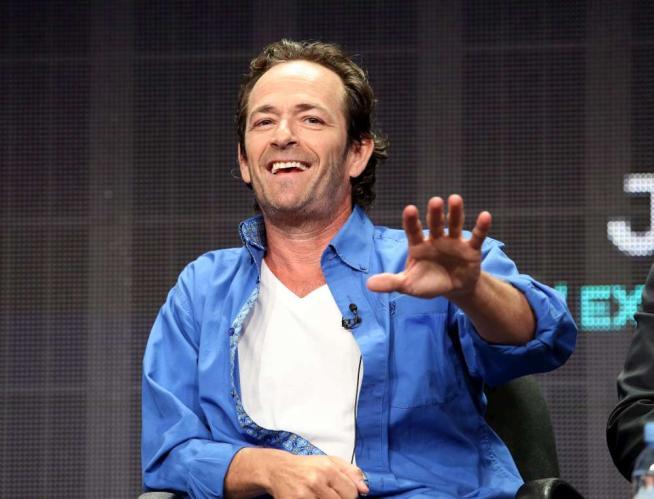 Luke Perry da  Beverly Hills 90210  ai fumetti, nuova serie tv per l attore