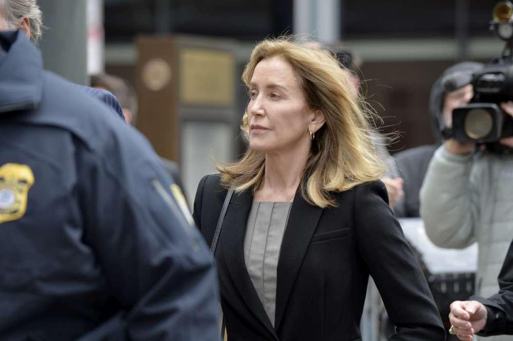 Felicity Huffman si dichiara colpevole
