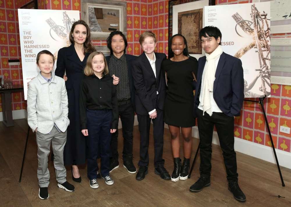 Angelina Jolie e il suo clan di figli in gita a New York