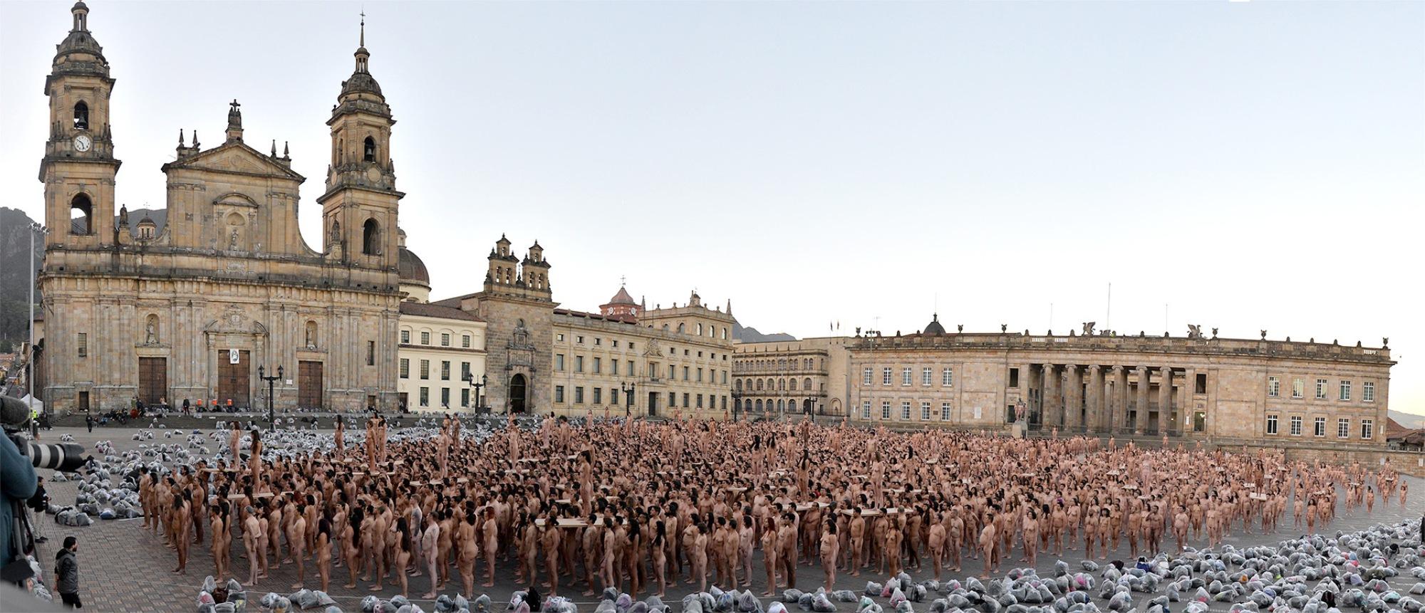 I nudi di Spencer Tunick invadono Bogotà