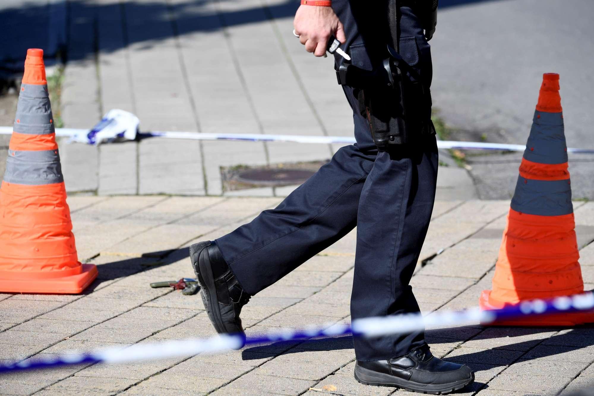 Bruxelles, accoltellati agenti: torna l incubo terrorismo