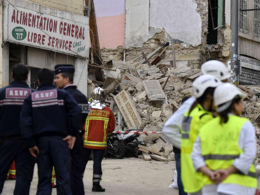 Marsiglia, crollano due palazzi nel centro della città
